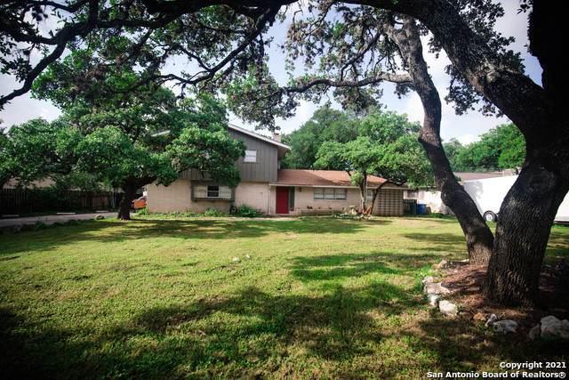 7306 Green Glen Dr, San Antonio, TX 78255 (MLS #1546428) :: Tom White Group