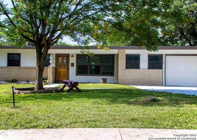 218 Sprucewood Ln, San Antonio, TX 78216 (MLS #1546560) :: The Gradiz Group