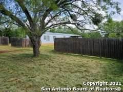 106 Sparrow Ln, Floresville, TX 78114 (MLS #1546638) :: The Lopez Group