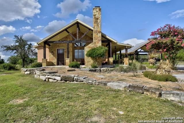 633 Trails End Rd, Johnson City, TX 78636 (MLS #1546717) :: Beth Ann Falcon Real Estate