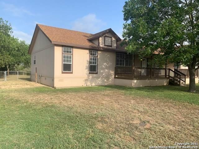 1223 N Center St, Sabinal, TX 78881 (MLS #1546718) :: The Curtis Team