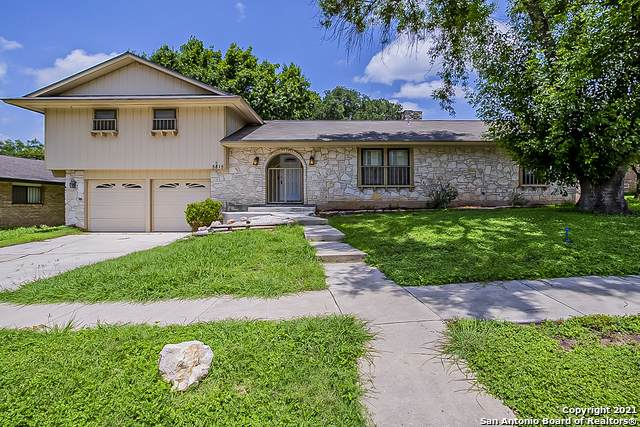 5815 Grass Hill Dr, Leon Valley, TX 78238 (MLS #1546745) :: Tom White Group