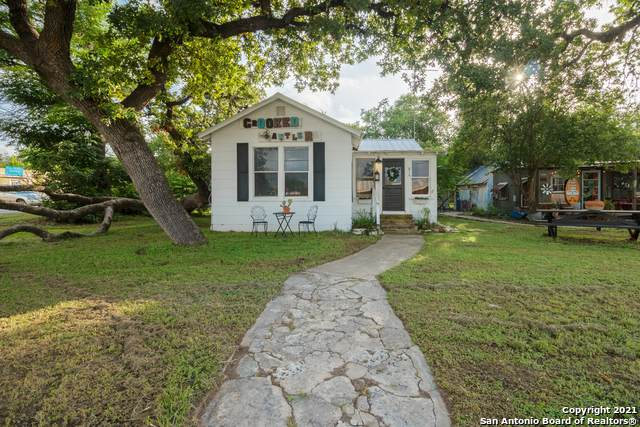 814 12th St, Bandera, TX 78003 (MLS #1546805) :: The Lopez Group