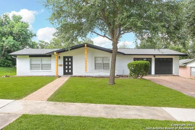 326 E Rampart Dr, San Antonio, TX 78216 (MLS #1546839) :: The Gradiz Group