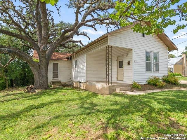 325 E Street, Kerrville, TX 78028 (MLS #1546963) :: JP & Associates Realtors