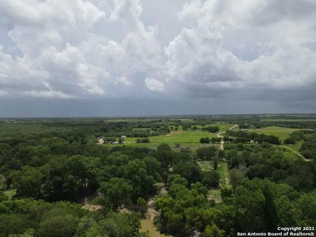 5353 Labus Rd, Elmendorf, TX 78112 (MLS #1547032) :: 2Halls Property Team | Berkshire Hathaway HomeServices PenFed Realty