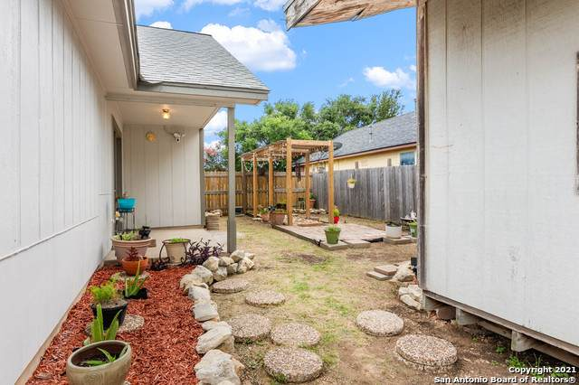 7735 Pipers Creek St, San Antonio, TX 78251 (MLS #1547103) :: The Lopez Group