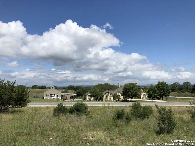 367 Bridlegate Blvd, Bandera, TX 78003 (MLS #1547112) :: Carter Fine Homes - Keller Williams Heritage