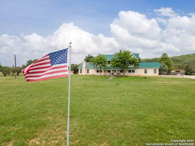 1251 Bump Gate Rd, Pipe Creek, TX 78063 (MLS #1547193) :: The Lopez Group