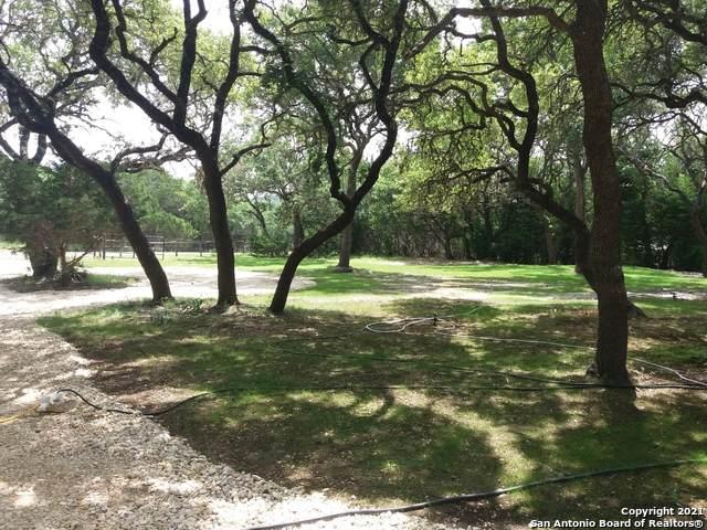 740 Ridgeway Dr, Bulverde, TX 78163 (MLS #1547214) :: Tom White Group