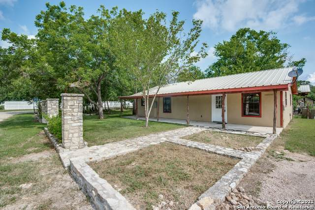 106 Mesquite St, Blanco, TX 78606 (MLS #1547239) :: The Glover Homes & Land Group