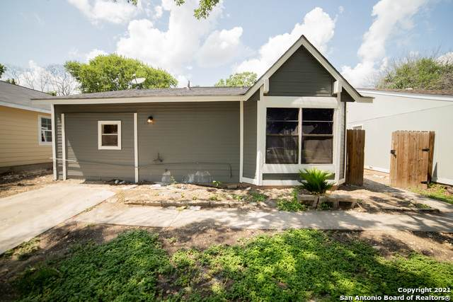 4815 Cobb Valley Dr, Kirby, TX 78219 (MLS #1547309) :: The Lopez Group