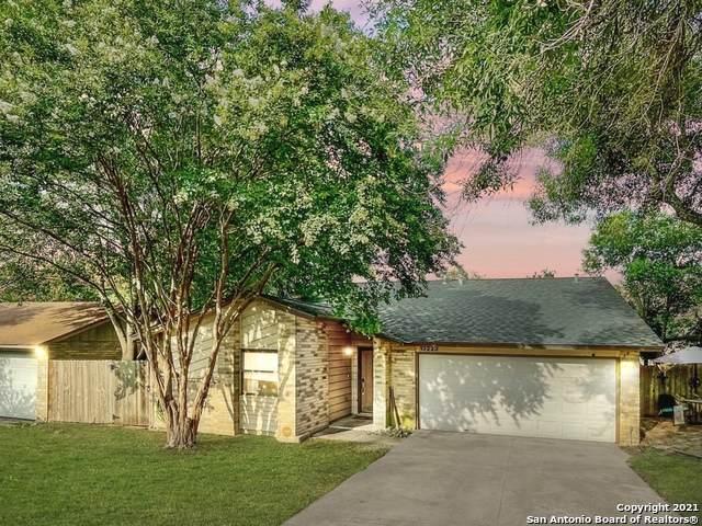 13223 Larkway St, San Antonio, TX 78233 (#1547341) :: Zina & Co. Real Estate