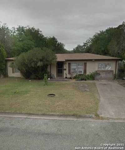 1500 E Rosewood St, Beeville, TX 78102 (MLS #1547456) :: Sheri Bailey Realtor