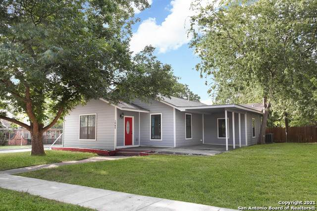 1045 W Mistletoe Ave, San Antonio, TX 78201 (MLS #1547485) :: Carolina Garcia Real Estate Group