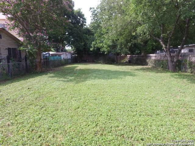 216 Morelia, San Antonio, TX 78237 (MLS #1547511) :: Tom White Group