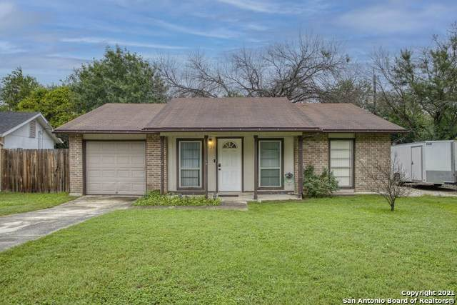 4426 Hickory Hill Dr, Kirby, TX 78219 (MLS #1547664) :: NewHomePrograms.com