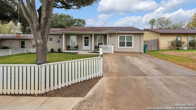 121 N Meadow St, Converse, TX 78109 (MLS #1547700) :: Vivid Realty