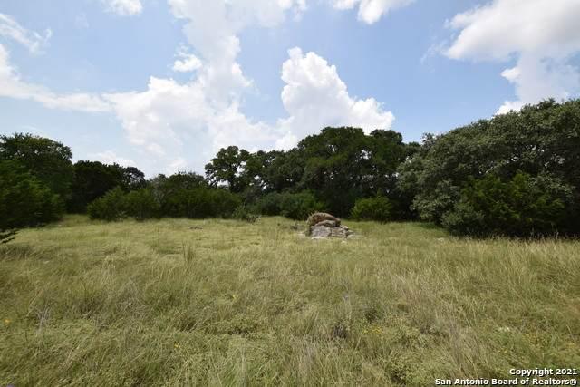 8 F Vaquero, Pipe Creek, TX 78063 (MLS #1547766) :: The Lopez Group