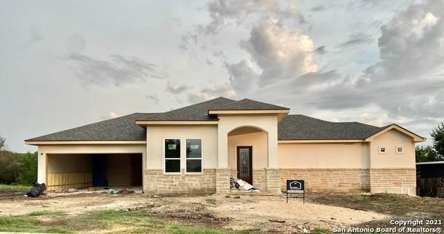 111 River Trail, Castroville, TX 78009 (MLS #1547769) :: Texas Premier Realty