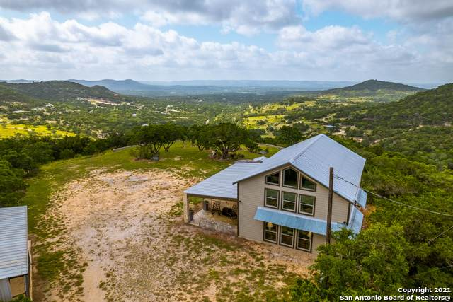 470 Mount Villa Rd, Pipe Creek, TX 78063 (MLS #1547822) :: The Lopez Group