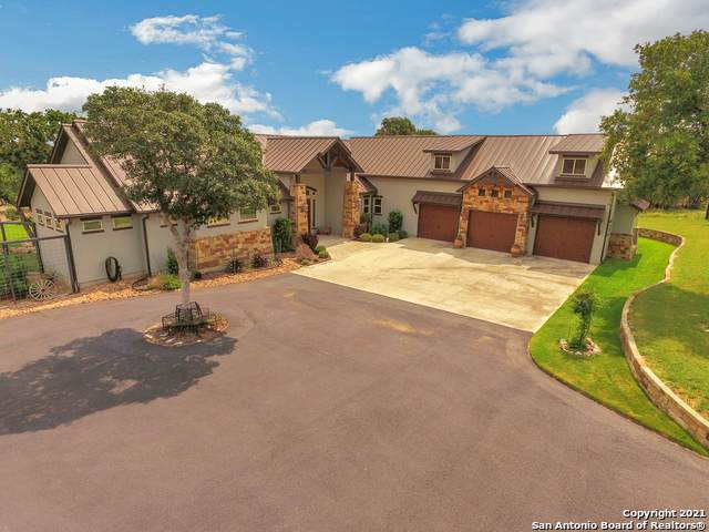 114 Hunters View Cir, Boerne, TX 78006 (MLS #1547828) :: The Lopez Group