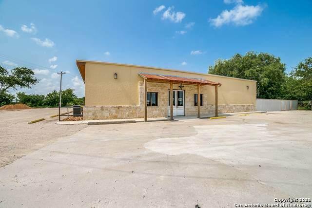 1721 State Highway 173 N, Devine, TX 78016 (MLS #1547829) :: Carolina Garcia Real Estate Group
