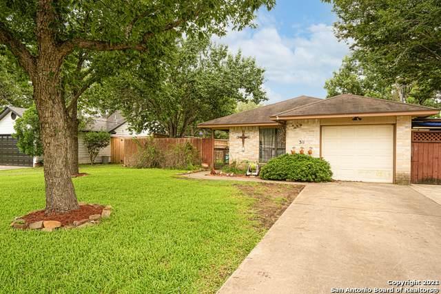 311 Deer Creek Dr, Boerne, TX 78006 (MLS #1547849) :: Alexis Weigand Real Estate Group
