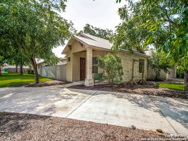 121 North St, Boerne, TX 78006 (MLS #1547866) :: The Lopez Group
