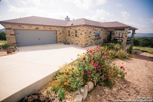 592 Blevins Pass, Pipe Creek, TX 78063 (MLS #1547962) :: The Lopez Group