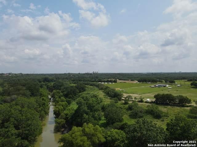 5353 Labus Rd, Elmendorf, TX 78112 (MLS #1547963) :: The Glover Homes & Land Group