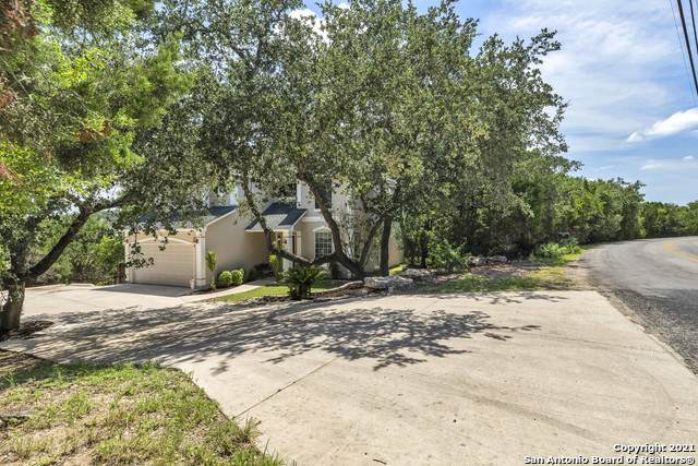 711 Misty Water Ln, San Antonio, TX 78260 (MLS #1547969) :: The Real Estate Jesus Team