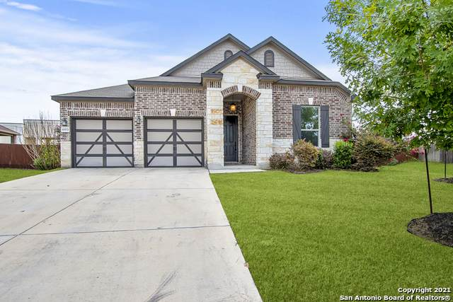 693 Pond Springs, New Braunfels, TX 78130 (MLS #1547974) :: The Glover Homes & Land Group