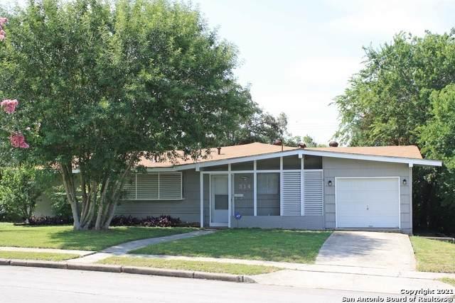 314 Sprucewood Ln, San Antonio, TX 78216 (MLS #1548037) :: The Gradiz Group