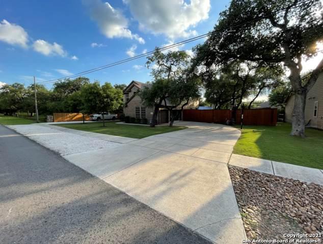 10805 Oakland Rd, San Antonio, TX 78240 (MLS #1548044) :: The Lopez Group