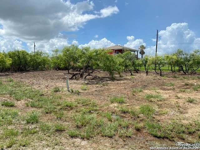 99 Shady Oak Ln, Rockport, TX 78382 (MLS #1548052) :: Williams Realty & Ranches, LLC