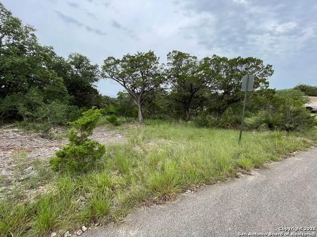 142 Cedar Dr, Lakehills, TX 78063 (MLS #1548148) :: JP & Associates Realtors