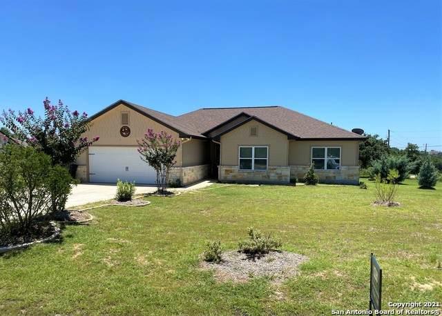 1010 Cash Ln, Canyon Lake, TX 78133 (MLS #1548265) :: Exquisite Properties, LLC