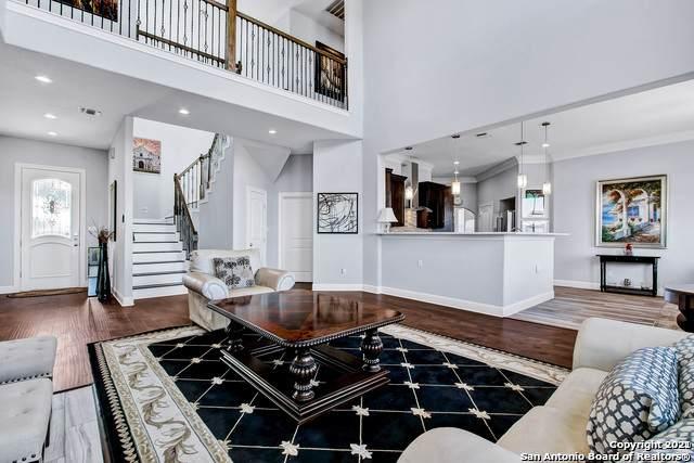 8135 Cedar Knoll Dr, San Antonio, TX 78255 (MLS #1548288) :: Exquisite Properties, LLC