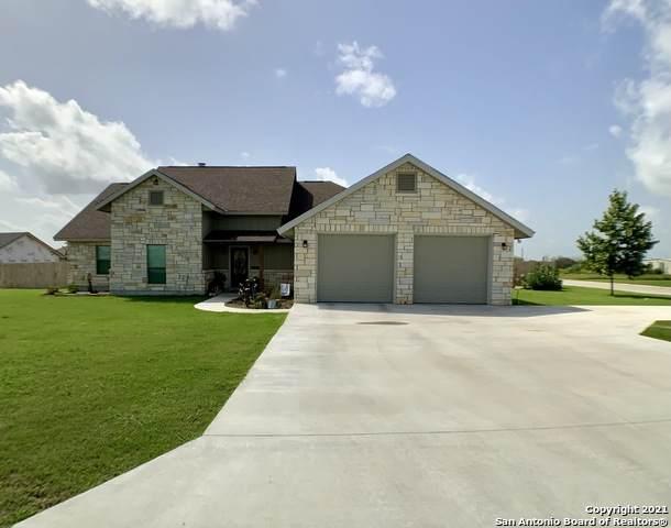 728 Highland St, Poth, TX 78147 (MLS #1548336) :: The Real Estate Jesus Team