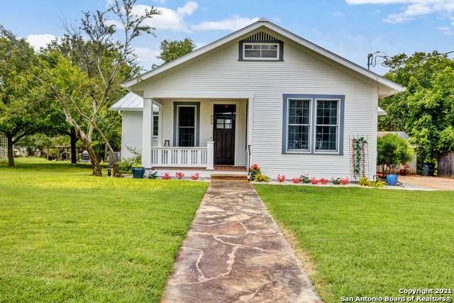 309 Fulton St, Fredericksburg, TX 78624 (MLS #1548431) :: Tom White Group