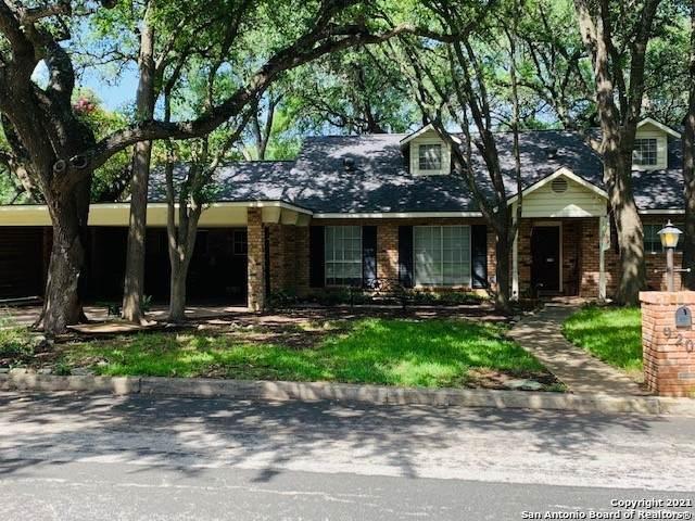 9206 Oak Downs Dr, San Antonio, TX 78230 (MLS #1548450) :: JP & Associates Realtors