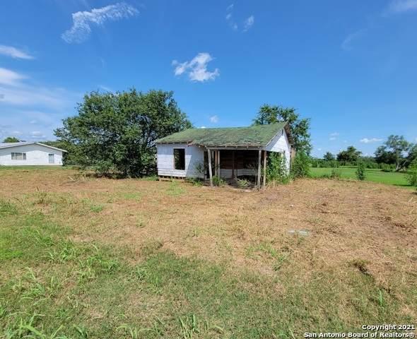 9027 Fm 467, Seguin, TX 78155 (MLS #1548453) :: Carter Fine Homes - Keller Williams Heritage