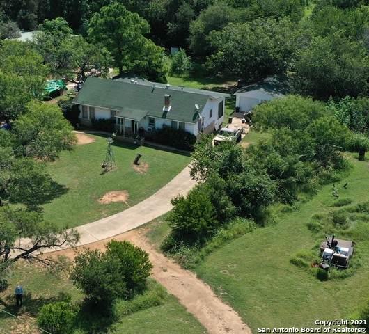 5764 Fm 1628, Adkins, TX 78101 (MLS #1548528) :: Carolina Garcia Real Estate Group