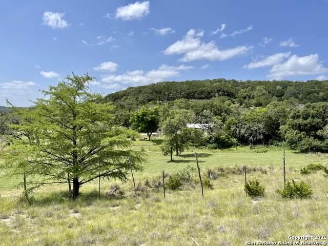 5565 State Highway 173 S, Bandera, TX 78003 (MLS #1548537) :: Exquisite Properties, LLC