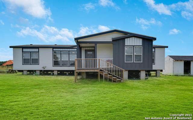 1525 Hickman Rd, Von Ormy, TX 78073 (MLS #1548560) :: Carter Fine Homes - Keller Williams Heritage