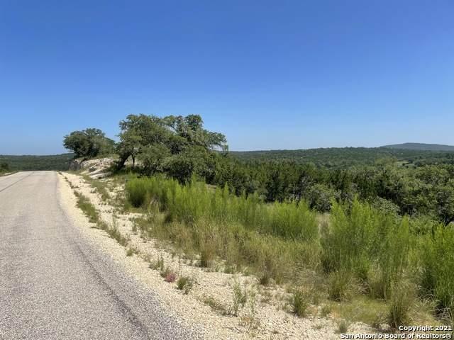 000 Canyon Rim, Helotes, TX 78023 (MLS #1548616) :: Carolina Garcia Real Estate Group