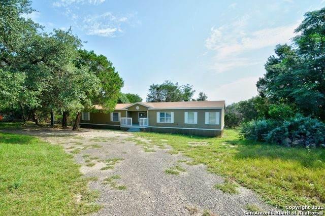 576 Wright Dr, Bandera, TX 78003 (#1548712) :: Zina & Co. Real Estate