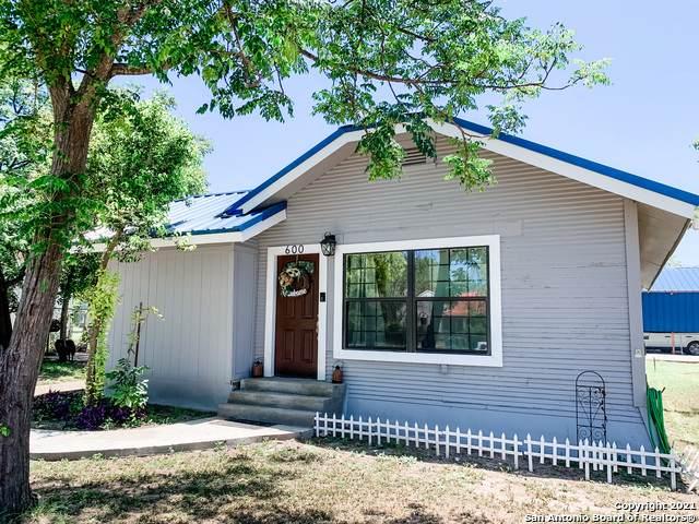 600 N Fort St, Brackettville, TX 78832 (MLS #1548777) :: Carter Fine Homes - Keller Williams Heritage