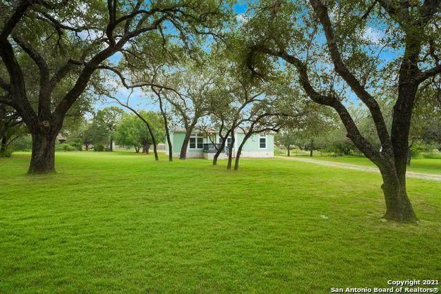 5110 Savannah Chase, Von Ormy, TX 78073 (#1548881) :: Zina & Co. Real Estate